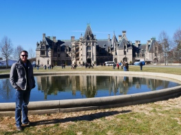 Brandon in front of the Biltmore House